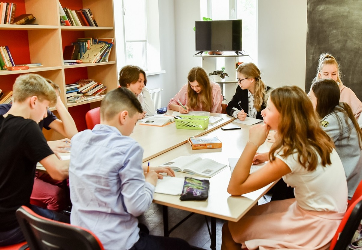 Приватна школа ліцей Індеверсал, 5-11 класи